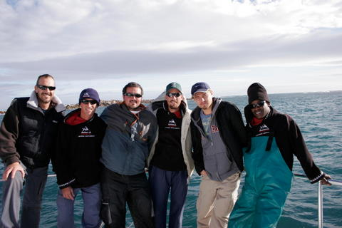 Leonardo dicaprio_and_shark diving unlimited crew